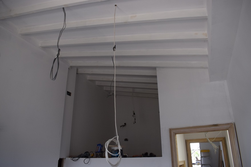 wall and ceiling undercoat